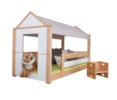 Maison low play bed by De Breuyn