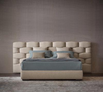 Majal Bed by Flou