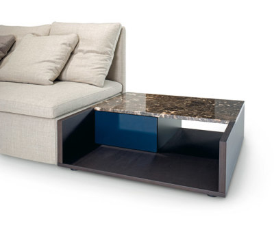 Mangold coffee table by ARFLEX