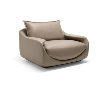 Martini Armchair by Giorgetti