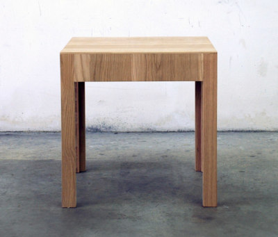 NF 37T Stooltable by editionformform