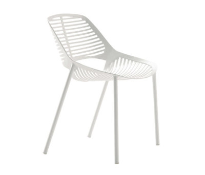 Niwa chair by Fast