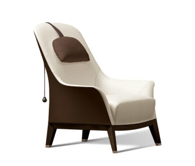 Normal Wing Chair by Giorgetti