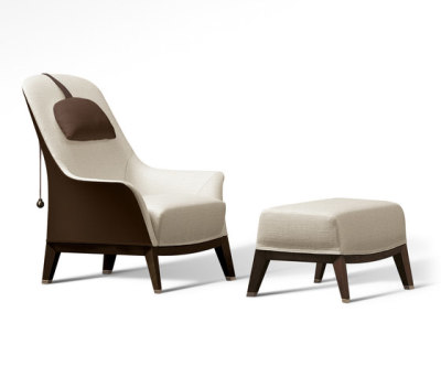 Normal Wing Chair with Footrest by Giorgetti