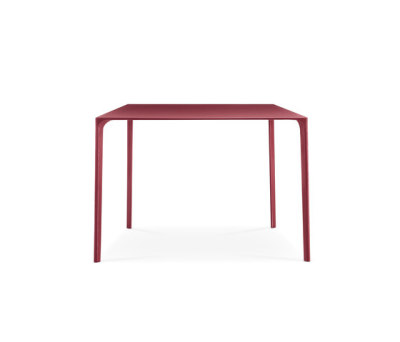 Nuur Dining Table by Arper Red Base, 100x100 cm Red Top