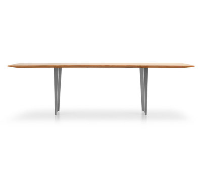 ONDA Table by Girsberger