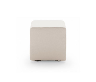 Play stool by Poliform
