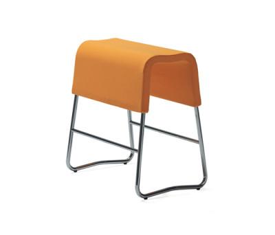 Plint bar stool by Materia
