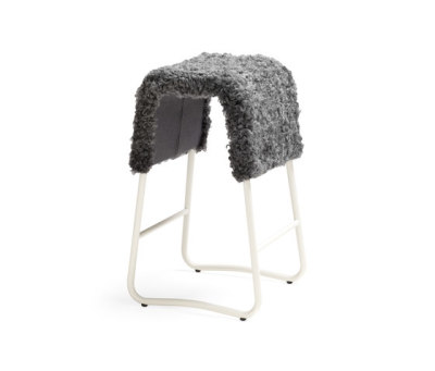 Plint barstool by Materia