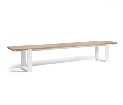 Prato bench by Manutti