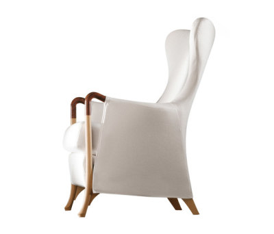 Progetti Wing Chair by Giorgetti