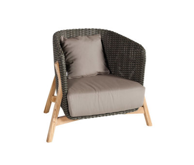Round Club armchair by Point