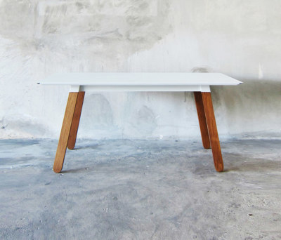 SIM STEEL Table by TAKEHOMEDESIGN