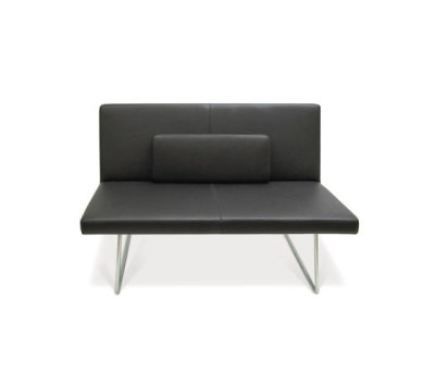 Slim Armchair by PIURIC