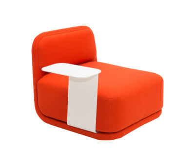 Standby chair low by Softline A/S