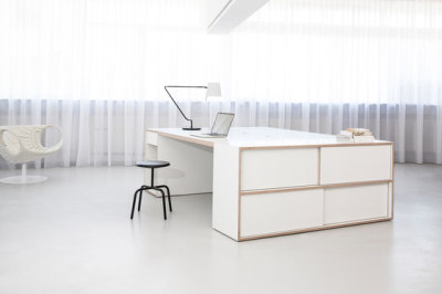 Store Working Station by MORGEN