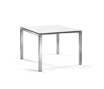 Trento square dining table by Manutti