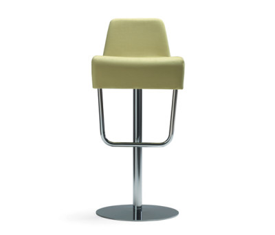 Turner bar stool by Materia