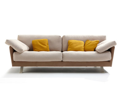 Valdivia couch by Label
