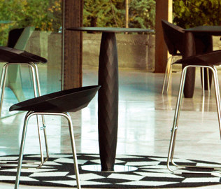Vases table by Vondom
