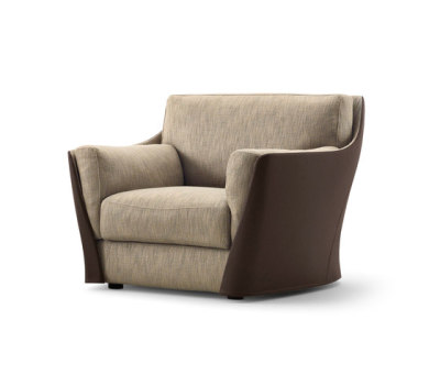 Vittoria Armchair by Giorgetti