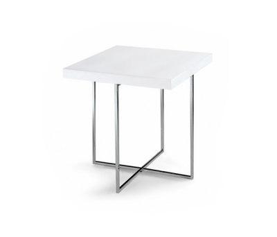 Yard coffee table by Poliform