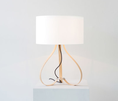 Yun table lamp oak by lasfera