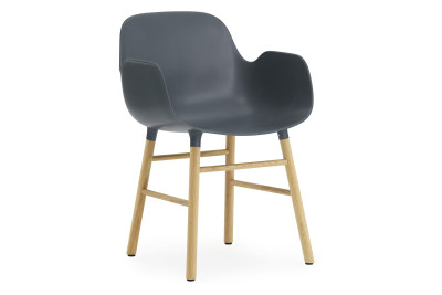 Form Armchair blue/oak