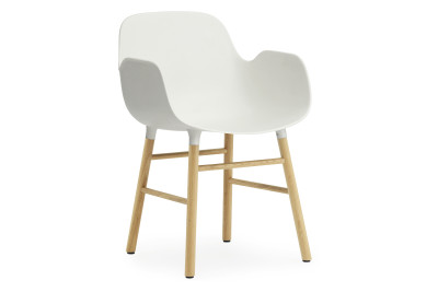 Form Armchair white/oak