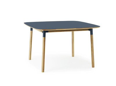Form Table 120 x 120 cm blue