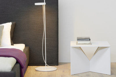 LT06 Palo Floor Lamp Signal White with Bianco Carrara Marble