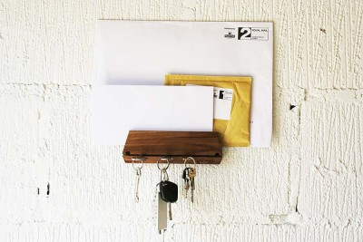 Oak Key Hook & Mail Organizer