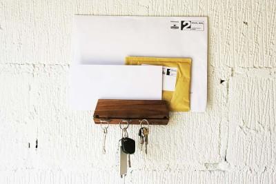 Oak Key Hook & Mail Organizer