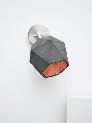 [T2] Spot Wall Light Triangle Dark Grey Concrete, Copper Plating
