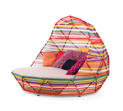 Tropicalia Day Bed with 7 Cushions Snow