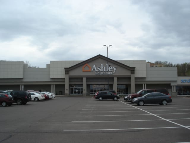Furniture And Mattress Store At 4068 Commonwealth Ave Eau Claire Wi Ashley Homestore