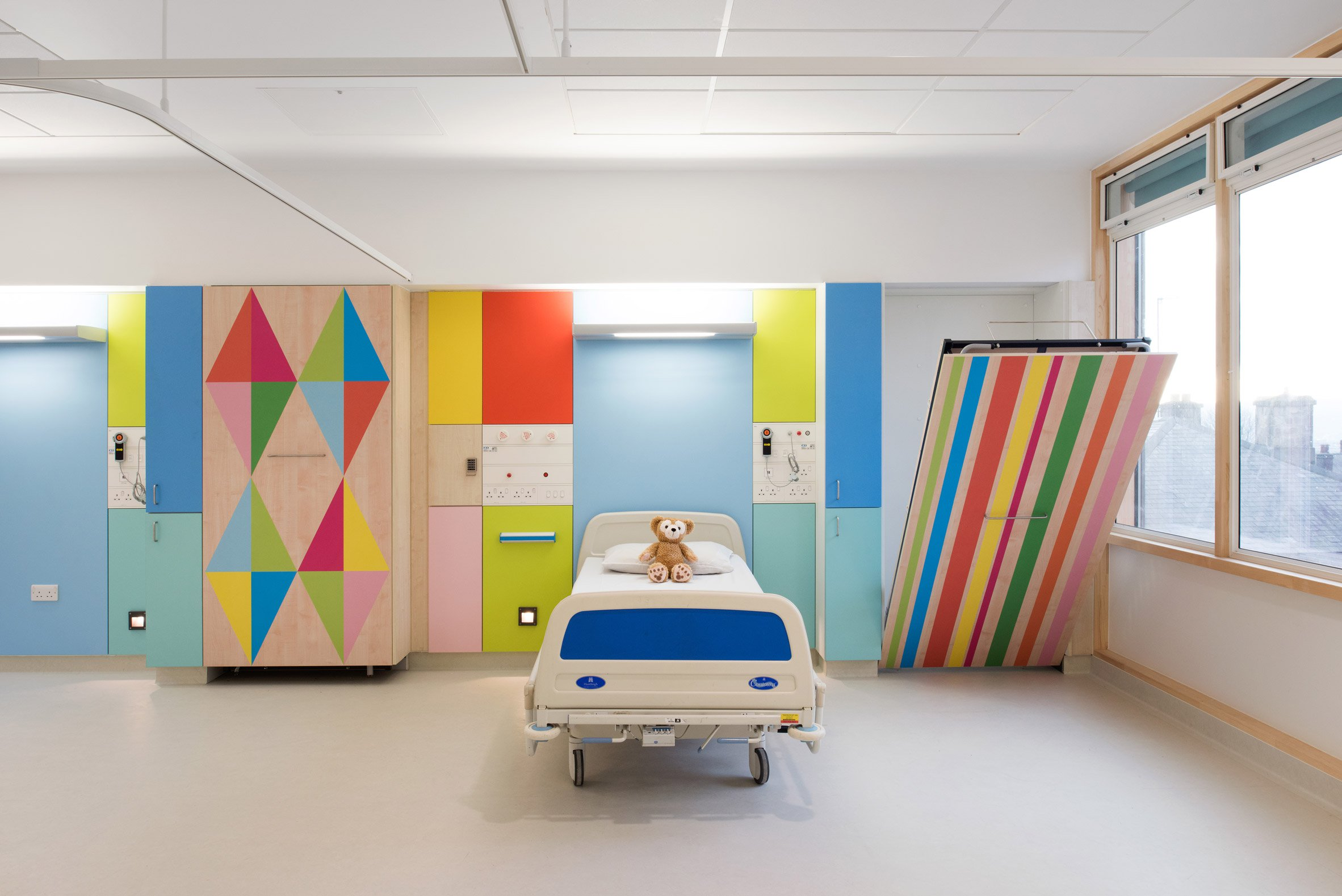 Inpatient Bedrooms and Shared Bays at Sheffield Children's Hospital