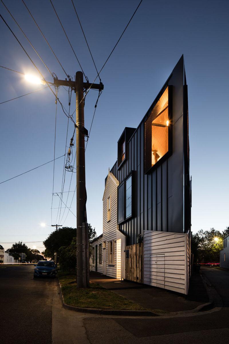 Acute House A
