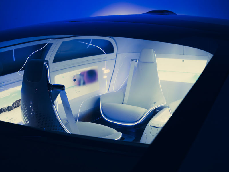 AD_MERCEDES_BENZ_Concept_Car_2014_c003c