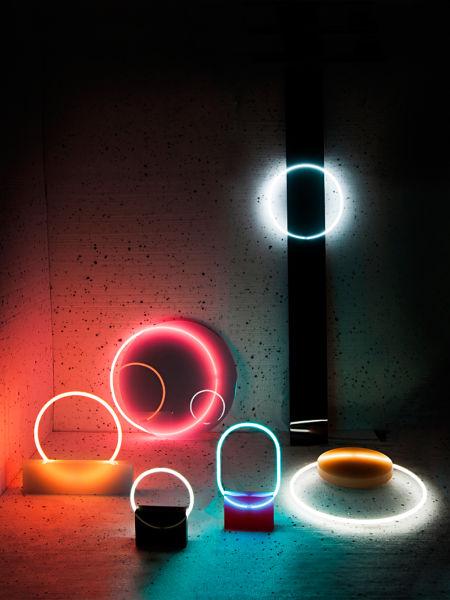 """Bei Sabine Marcelis und ihrer Leuchtenserie """"Voie"""" ist die Zukunft neon!"""