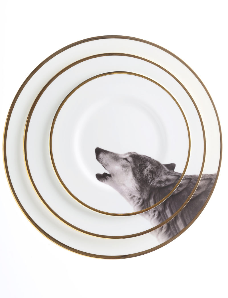 Melody-Rose-Howling-Wolf-Three-Sizes-Plates(1)