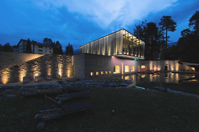 delight-spa-beauty_night_bioschwimmteich