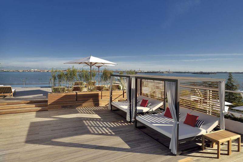 JW-Marriott-Venice_Sagra-Poolside-Bar