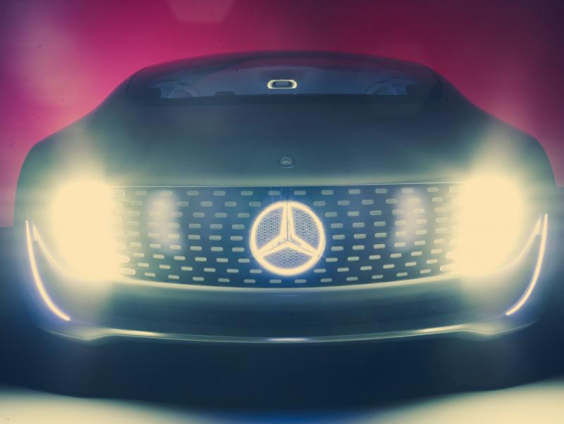 AD_MERCEDES_BENZ_Concept_Car_2014_c002b
