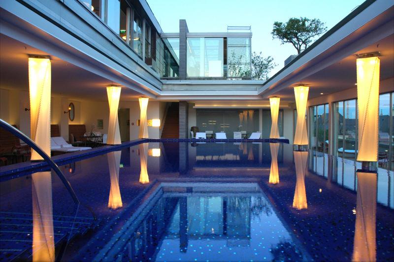 03-Pool