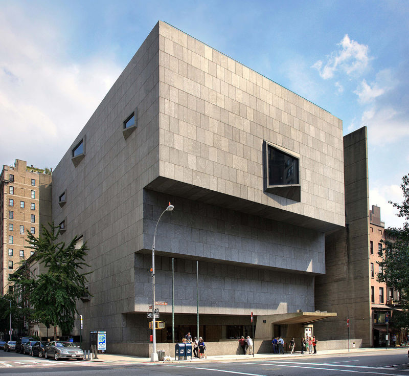 3.-The-Met-Breuer--day_photograph-by-Ed-Lederman