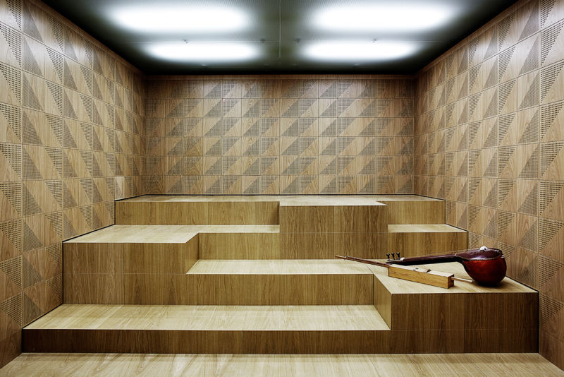 Stepped-seating-in-sound-space-for-orchestra-_Viemose