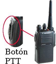 Botón PTT de un radio portátil