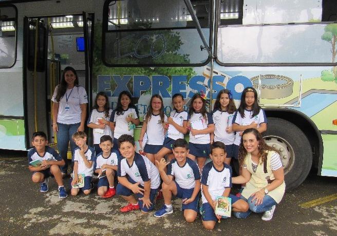 Ônibus mostrou todo o processo de tratamento da água