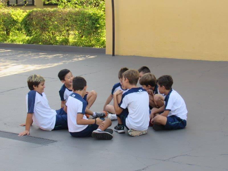 5º ano EBM aprendeu como utilizar a bússola